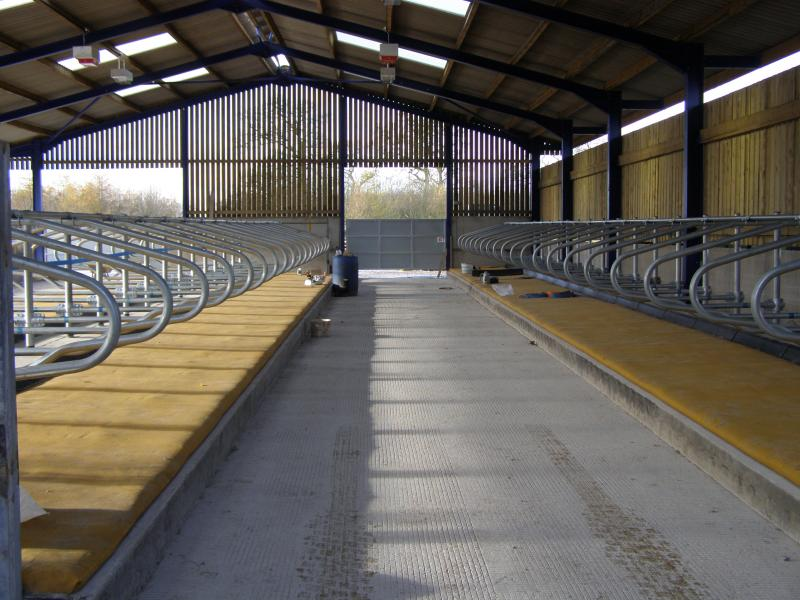 Installation of floors, cubicles and cow mats at Home Farm Rangemore